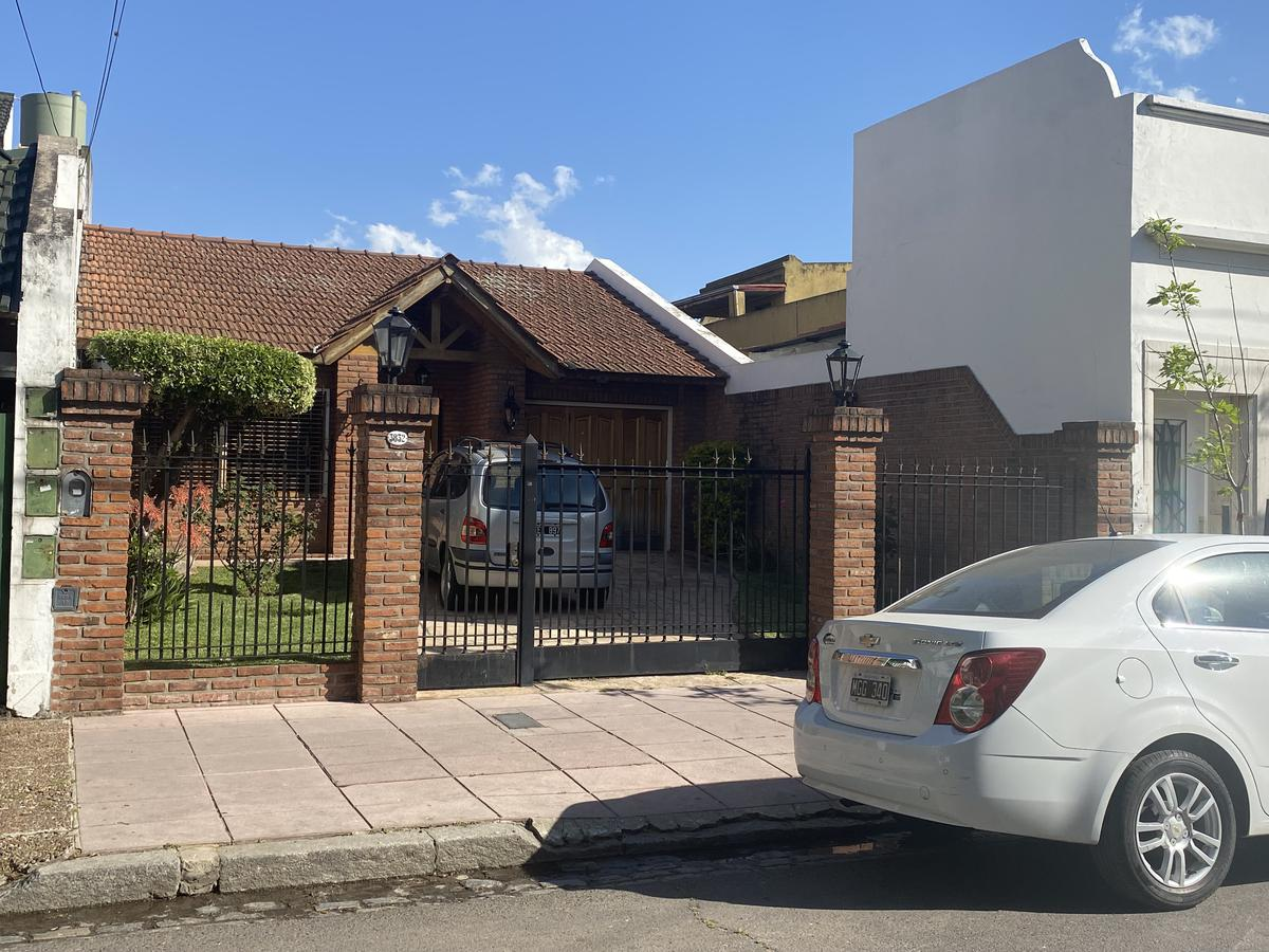 Foto Casa en Venta en  Floresta ,  Capital Federal  FELIPE VALLESE al 3800
