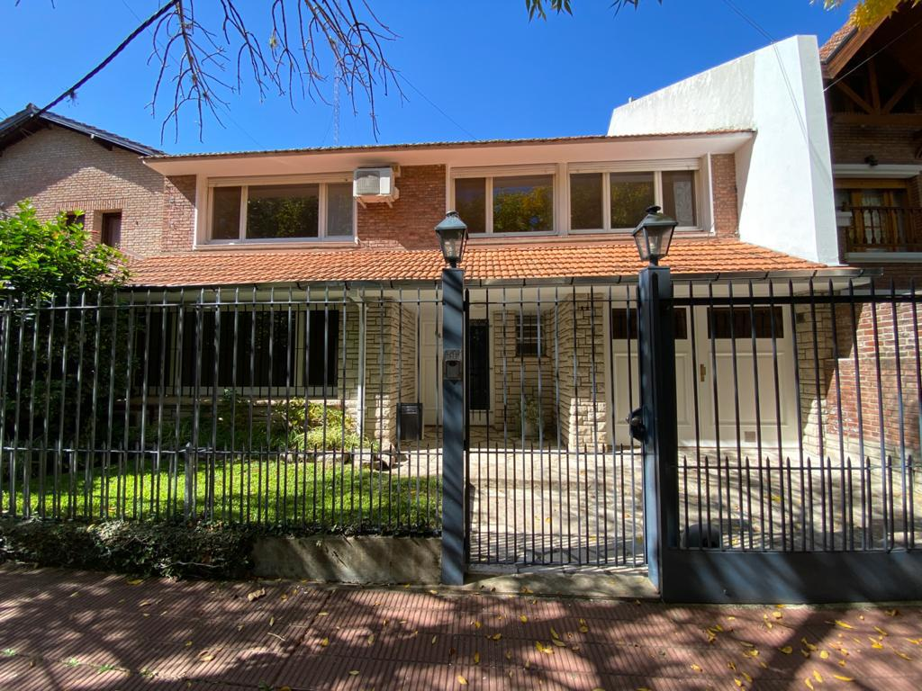 Foto Casa en Alquiler en  Mart.-Vias/Libert.,  Martinez  MUÑIZ AL 600