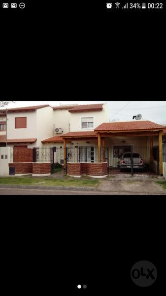 Foto Casa en Venta en  Villa Regina,  General Roca  CASA DOS DORMITORIOS-V.REGINA