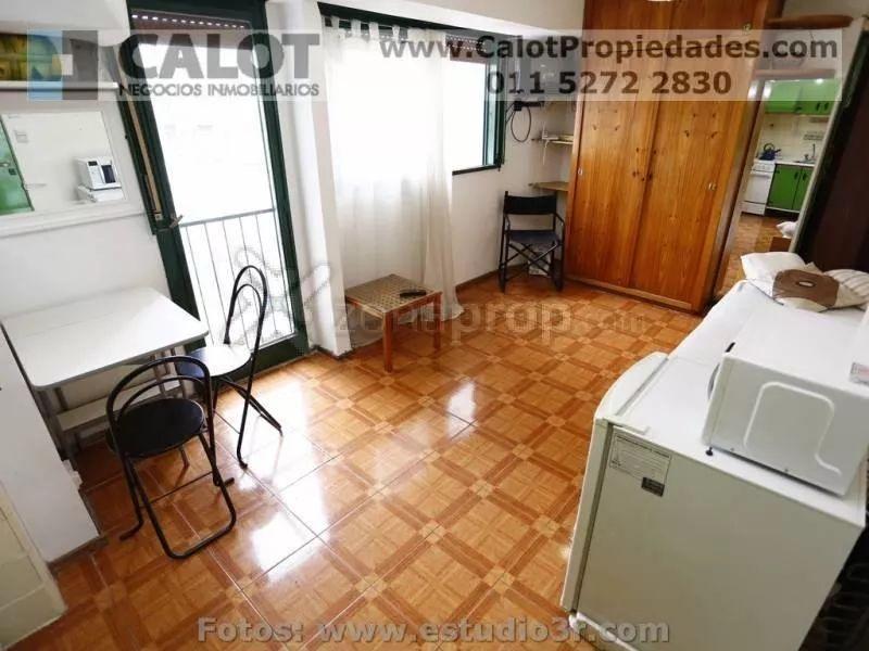 Foto Departamento en Alquiler temporario en  Balvanera ,  Capital Federal  JUNIN 200