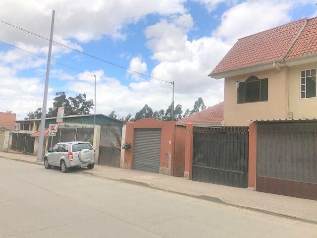 Foto Casa en Venta en  Sur de Cuenca,  Cuenca  Av. Ordoñez Lasso