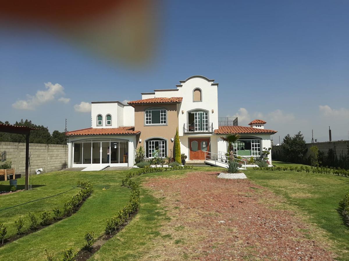 Foto Casa en condominio en Renta en  Metepec ,  Edo. de México  Casa en RENTA, Residencial Nova Vida, Bosques de Metepec, Metepec, Estado de México