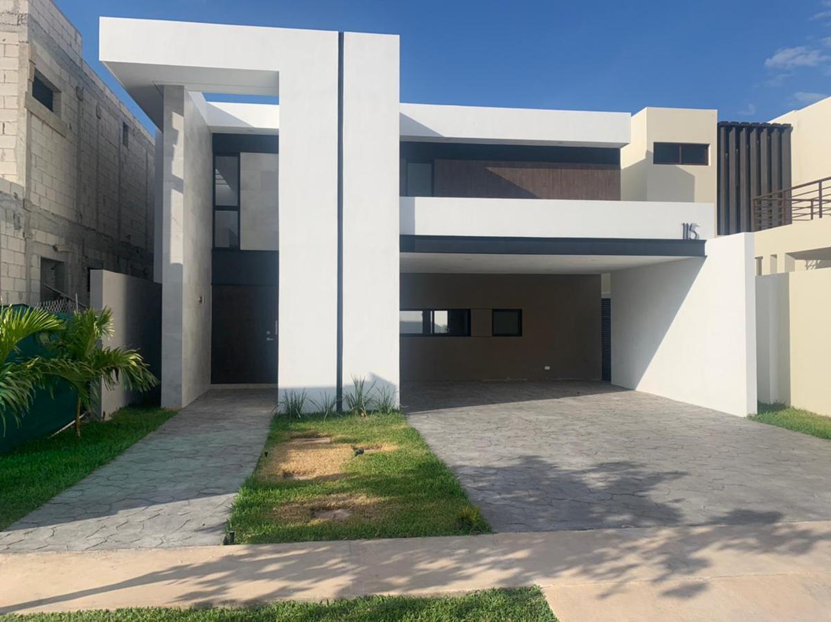 Foto Casa en Venta en  Pueblo Cholul,  Mérida  Hermosa Residencia completamente nueva y equipada en una de las mejores privadas con amenidades al norte de Mérida!