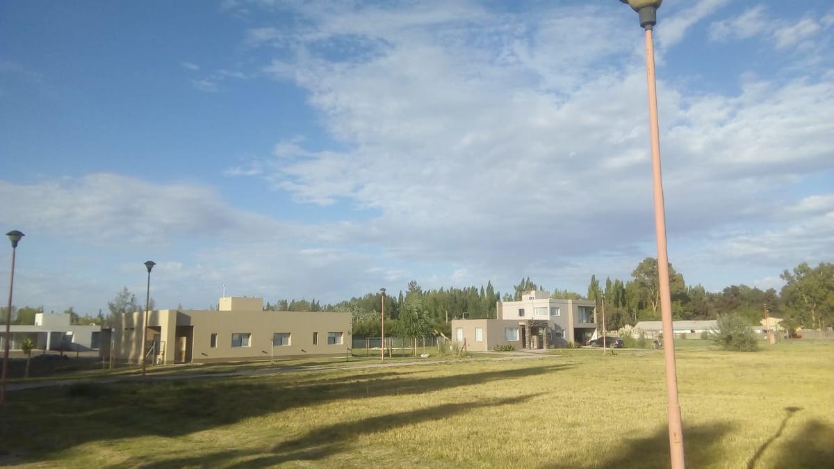 Foto Terreno en Venta en  Cipolletti,  General Roca  Maestro don  juan espinoza  al 3000
