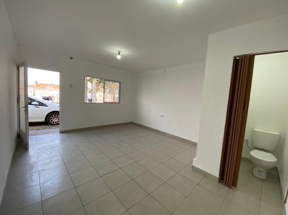Foto Local en Alquiler en  Villa Lujan,  San Miguel De Tucumán  avenida america al 400