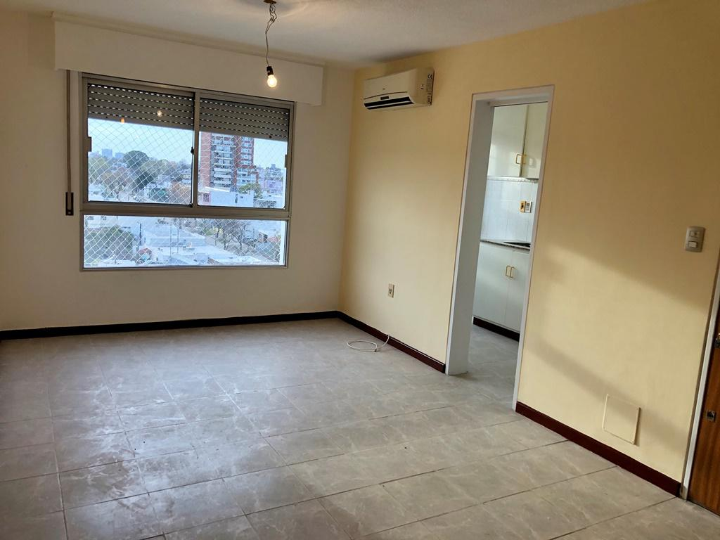 Foto Apartamento en Venta en  Parque Batlle ,  Montevideo  Navarra y Ramón Anador - 2d con garaje