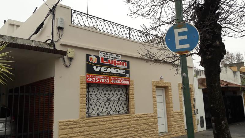 Foto PH en Venta en  Mataderos ,  Capital Federal  Tipo casa al frente, 3 ambs, Bragado al 5500, patio y terraza.