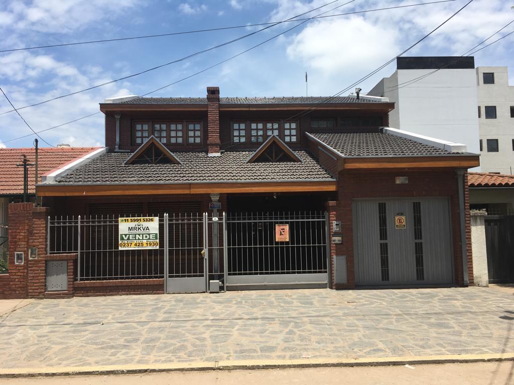Foto Casa en Venta en  Centro (Moreno),  Moreno  Sarratea 68