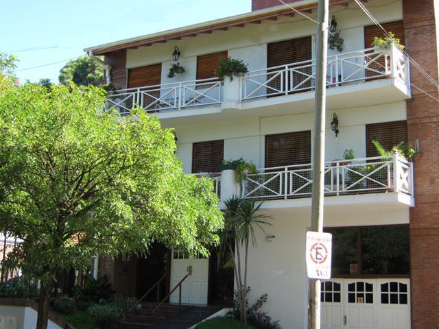 Foto Departamento en Venta en  Adrogue,  Almirante Brown  CERRETTI nº 1018, entre Rosales y Plaza Cerretti- RETASADO