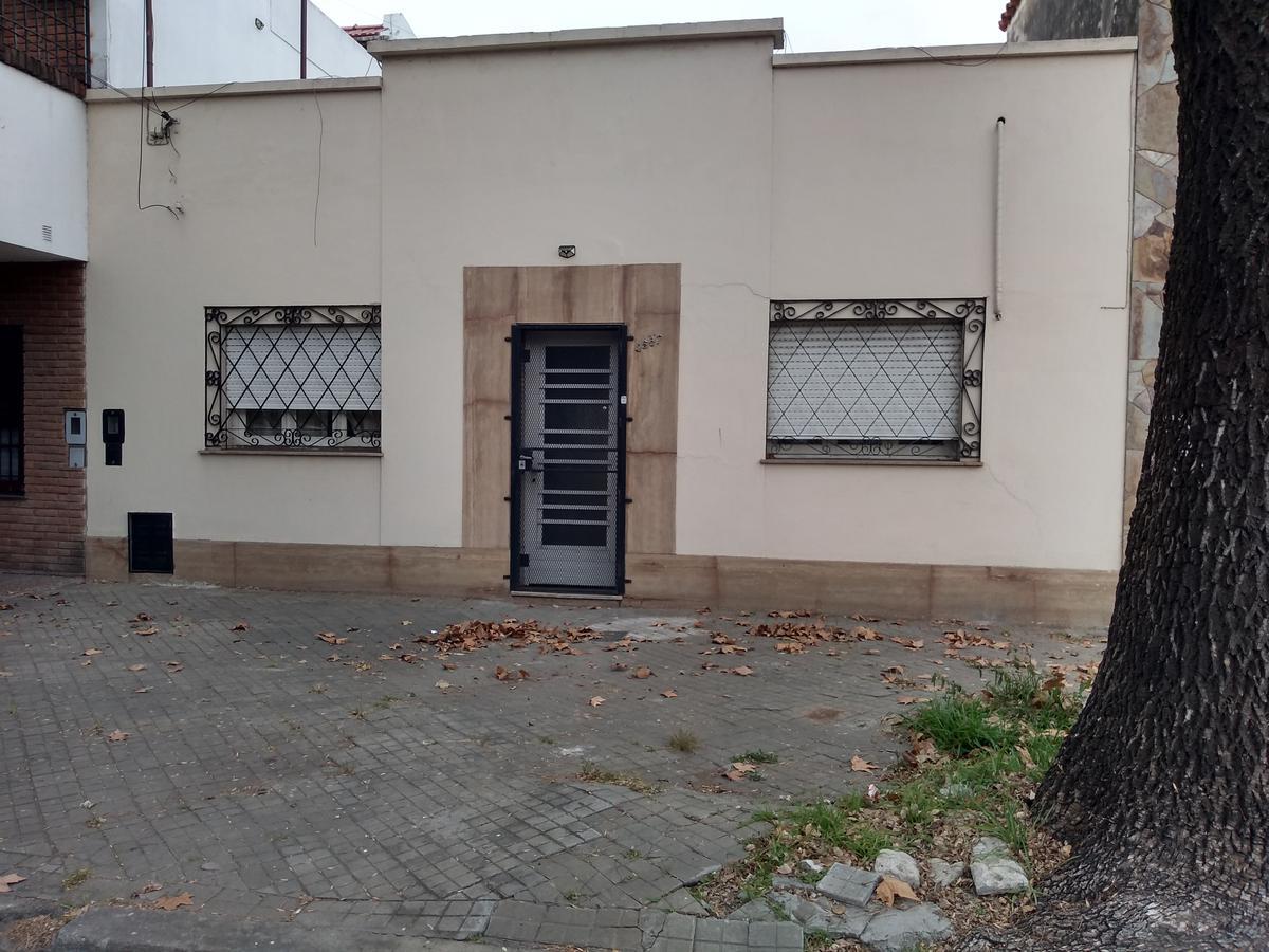 Foto Casa en Venta en  Azcuenaga,  Rosario  San Lorenzo al 4587