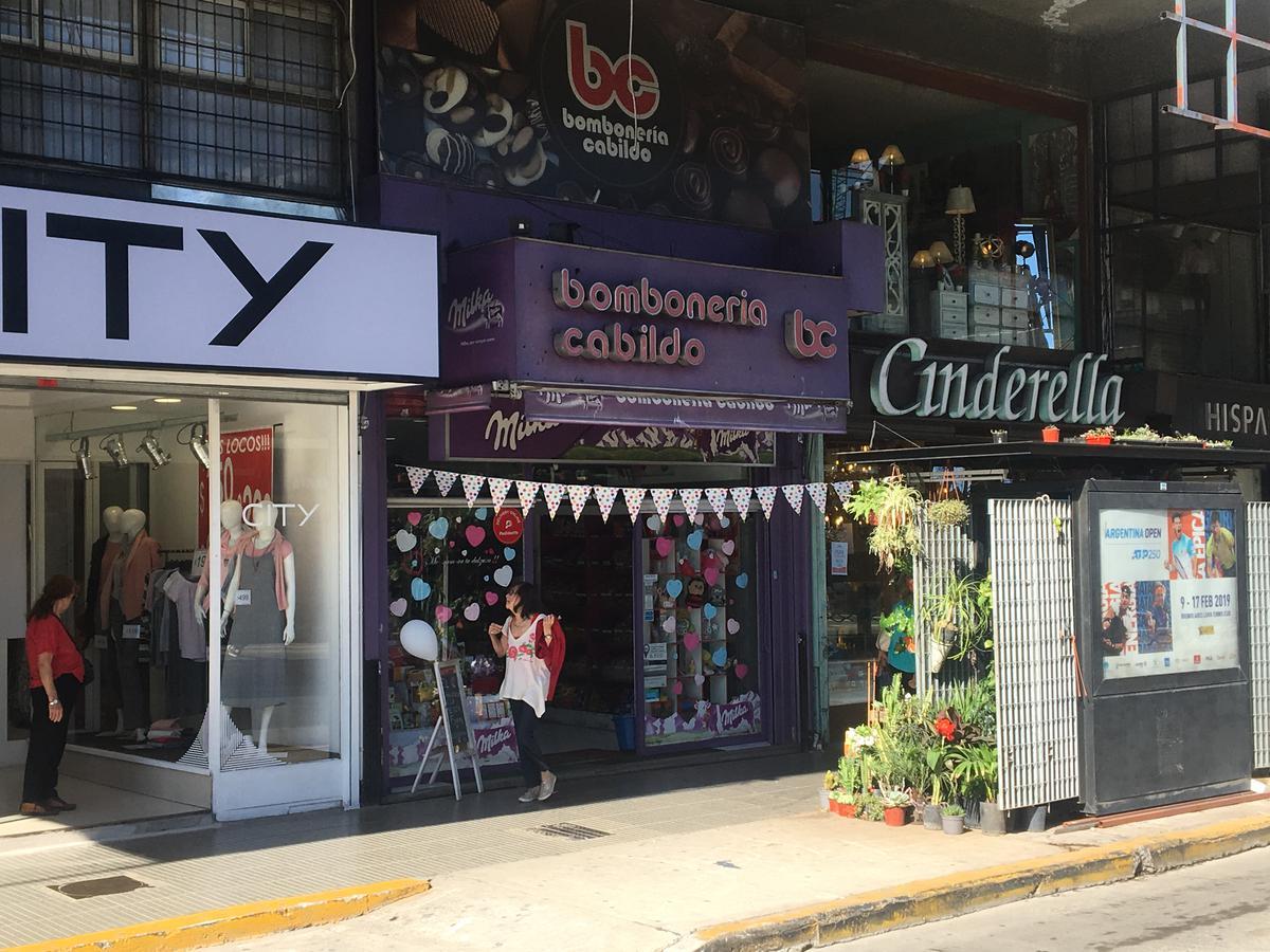 Foto Local en Alquiler en  Belgrano ,  Capital Federal  Av.Cabildo al 2400