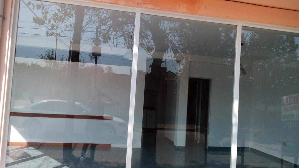 Foto Local en Alquiler en  Villa Dolores,  San Javier    LOCAL COMERCIAL  ESQUINA GRAL PAZ   Y MARTIN TORRES VILLA DOLORES