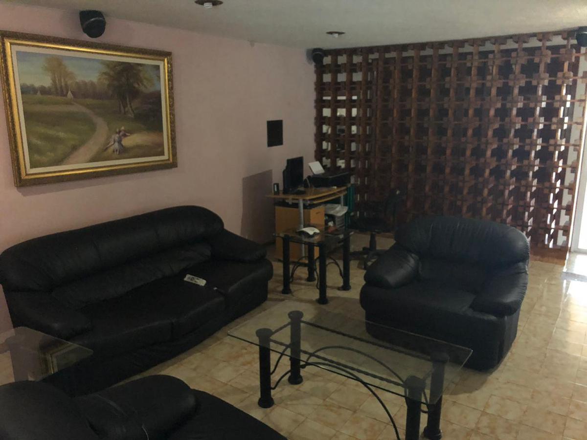 Foto Casa en Venta en  Vista Alegre,  Mérida  Amplia casa de 3 habitaciones, con alberca y terreza en Vista Alegre