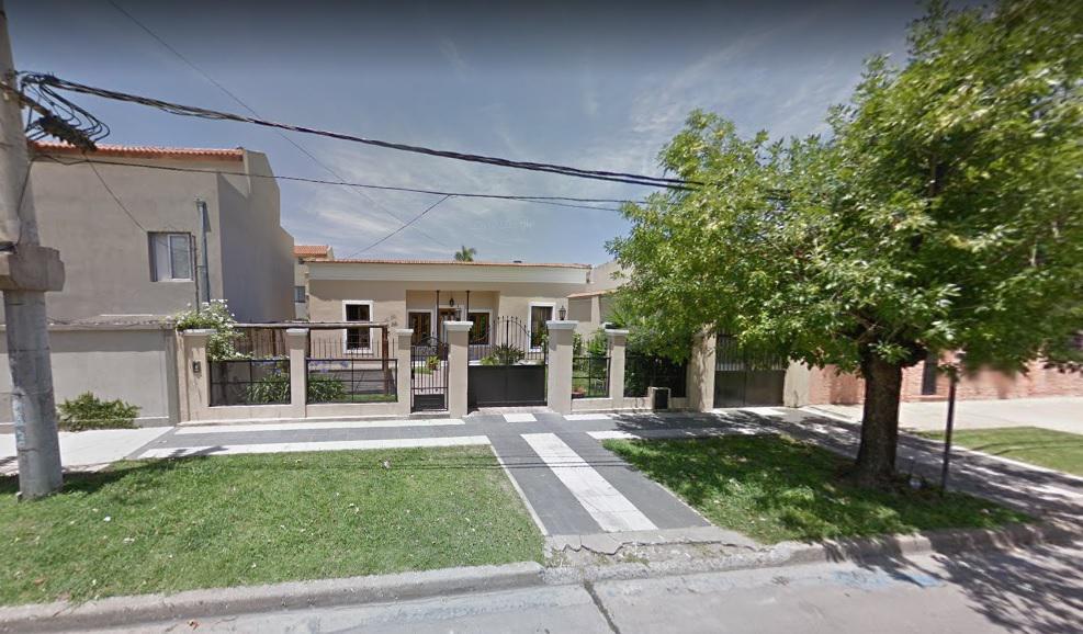 Foto Casa en Venta |  en  Bella Vista,  San Miguel  Moine al 1100