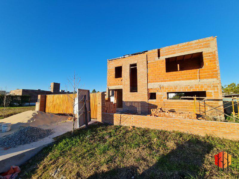 Foto Casa en Venta en  Funes ,  Santa Fe  Las Bordonas y Rodríguez