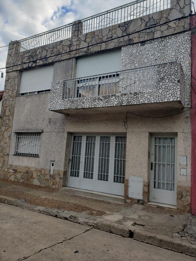 Foto Casa en Venta en  Azcuenaga,  Rosario  RIOJA 5100