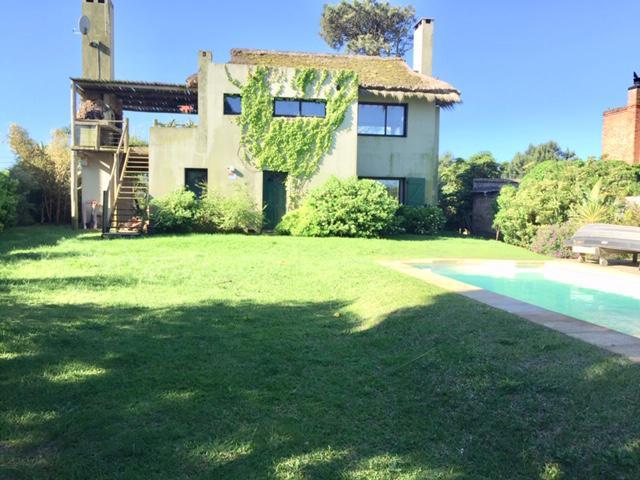 Foto Casa en Venta en  El Pinar ,  Canelones  El Pinar