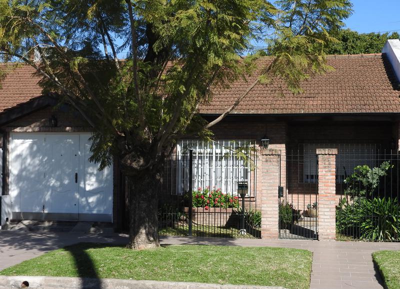 Foto Casa en Venta en  Ituzaingó Norte,  Ituzaingó  Andres Lamas al 300