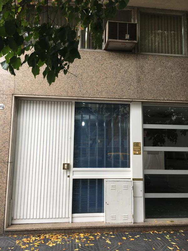 Foto Oficina en Venta en  Mataderos ,  Capital Federal  Venta oficina P.B. a la calle apto profesional, albariño al 1000, a metros de Alberdi comercial.
