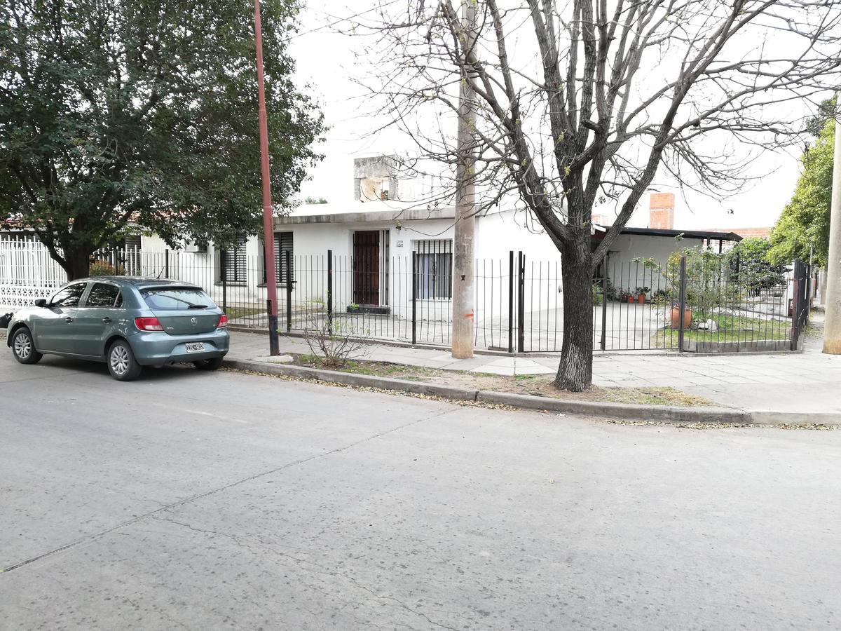 Foto Casa en Venta en  Los Platanos,  Cordoba  Pascual de Rogatis 3750