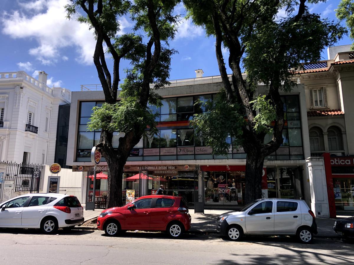 Foto Oficina en Venta en  Parque Batlle ,  Montevideo  Br. Artigas frente a La Española