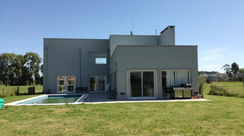 Foto Casa en Venta en  El Rebenque,  Canning (E. Echeverria)  Venta - Casa en El Rebenque