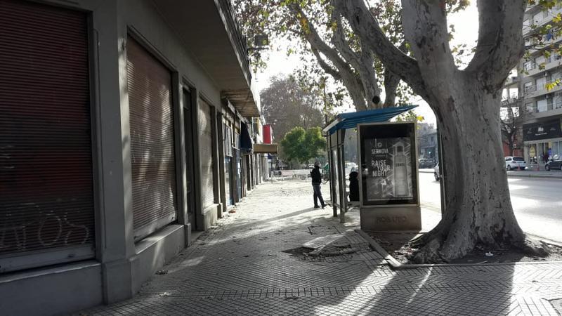 Foto Local en Alquiler en  Centro Oeste,  Rosario  Local Comercial - Blvd. Avellaneda 1100