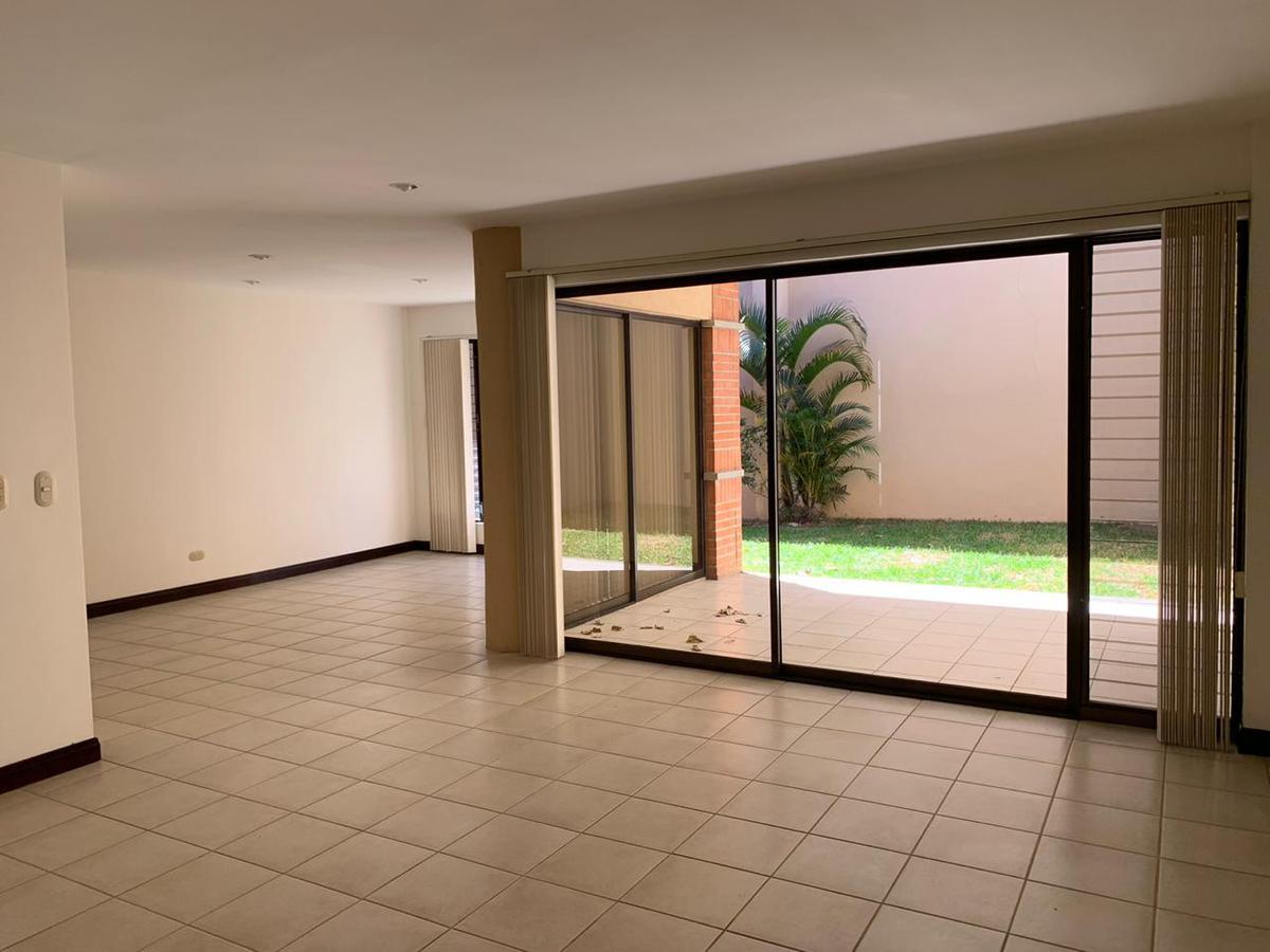 Foto Casa en condominio en Renta en  San Rafael,  Escazu  Escazú/ 4 Habitaciones/ Seguridad /Piscina/100m de Av. Escazú