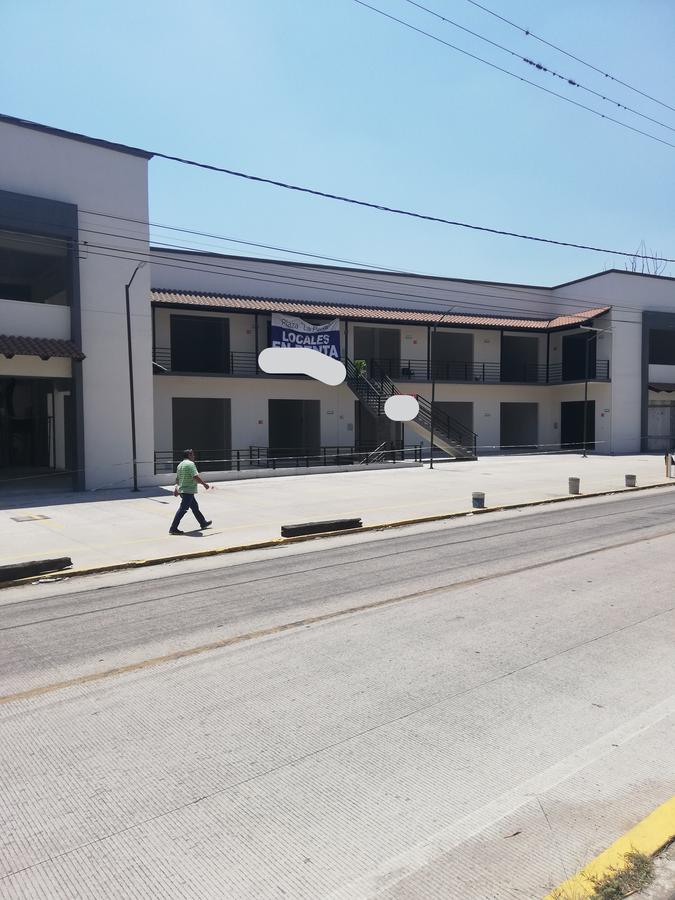 Foto Local en Renta en  Campo Viejo,  Coatepec  Local en renta en Coatepec Ver dentro de Plaza Comercial Zona centrica  y estacionamiento