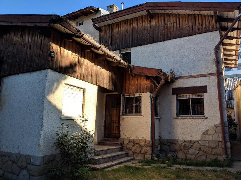 Foto Casa en Venta | Alquiler en  Bariloche ,  Rio Negro  Vice Alte O'Connor al 500