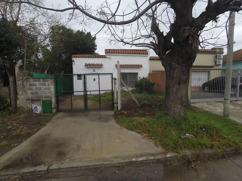 Foto Casa en Venta en  Bella Vista,  San Miguel  Santa Fe al 1600