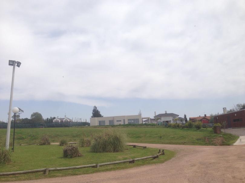 Foto Terreno en Venta en   Colinas de Carrasco,  Countries/B.Cerrado (Carrasco)  Excelente lote