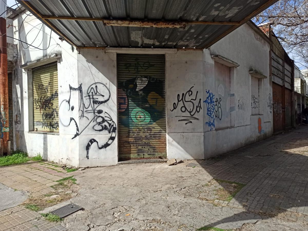 Foto Local en Alquiler en  La Plata ,  G.B.A. Zona Sur  23 y 54