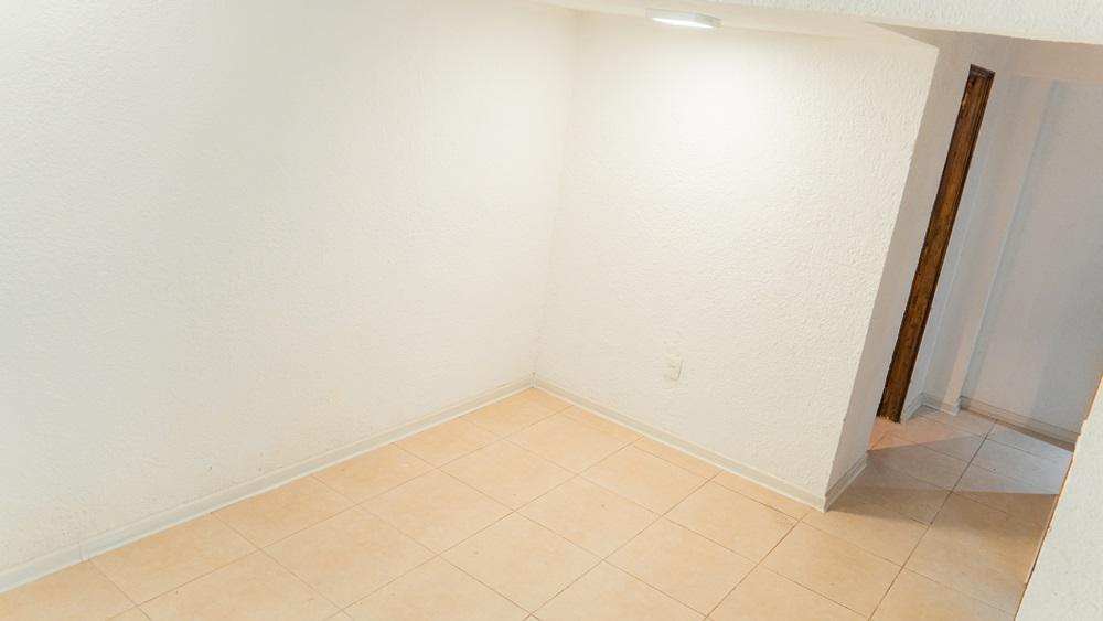Foto Apartamento en Alquiler en  Aguada ,  Montevideo  Bacigalupi 2089/04