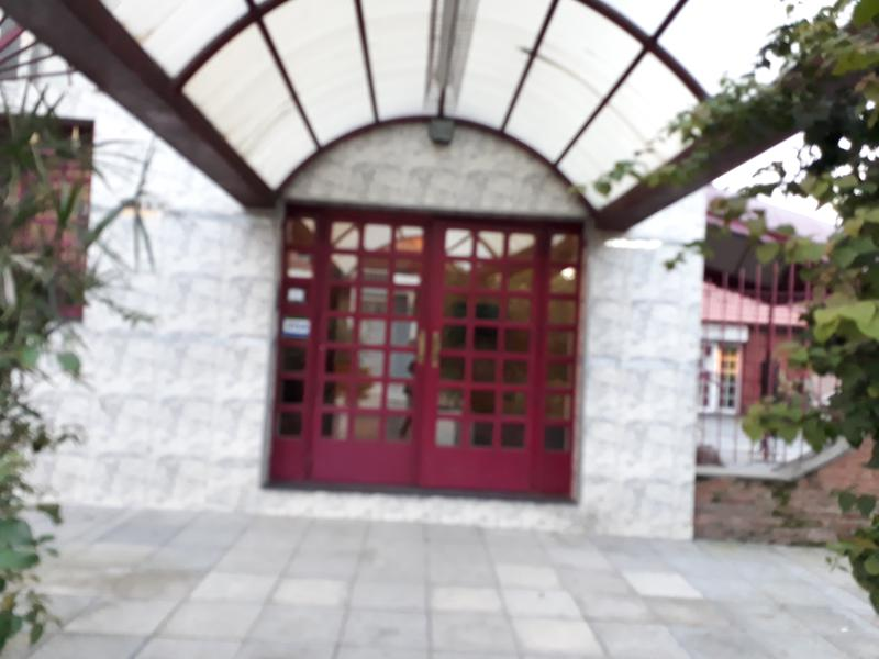 Foto Local en Alquiler en  Casanova Centro,  Isidro Casanova  Republica  de Portugal al 2300