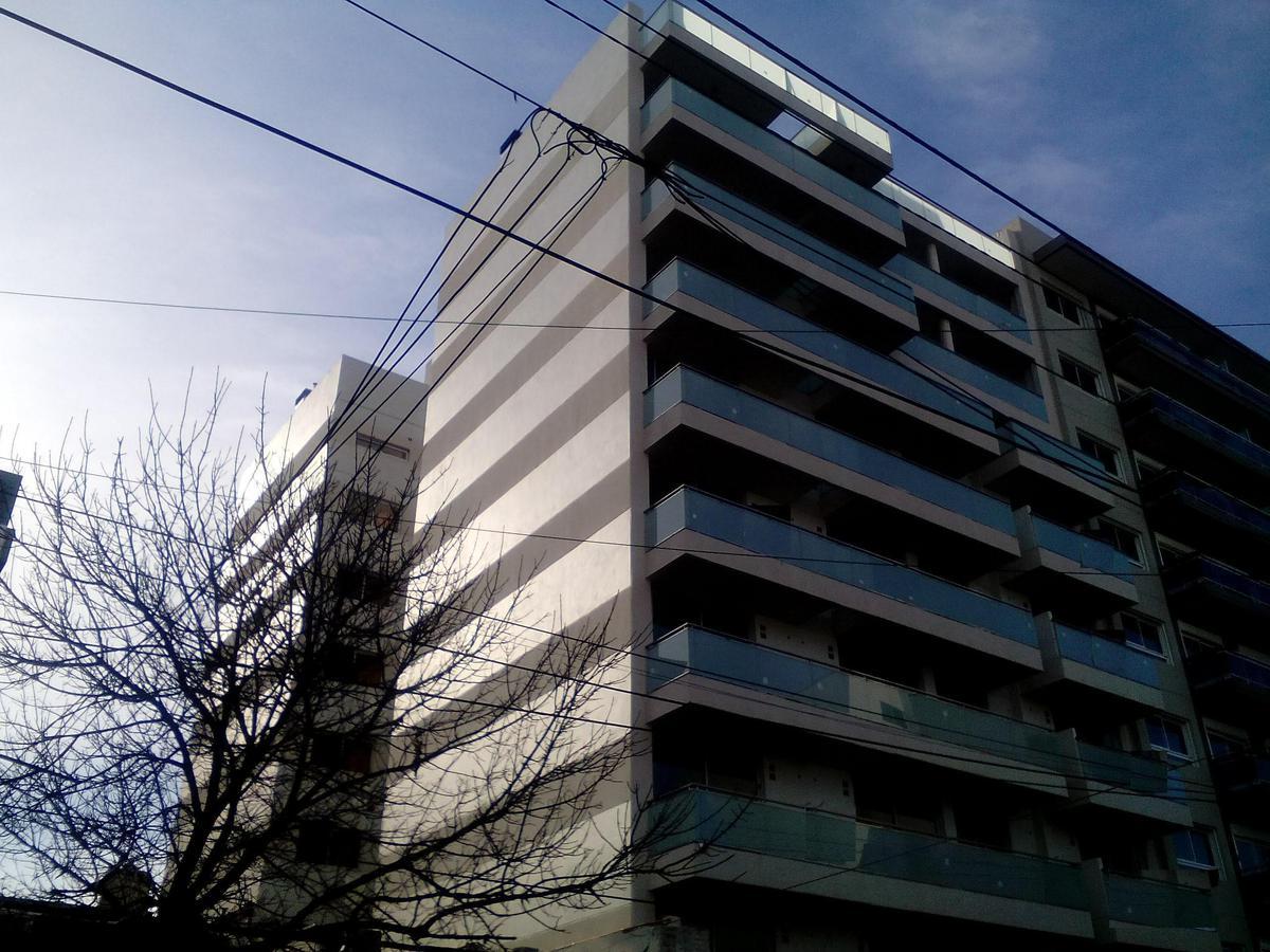 Foto Departamento en Venta | Alquiler en  Villa Ballester,  General San Martin  Independencia al 5000