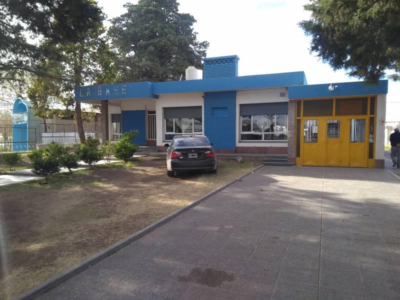 Foto Local en Venta en  Área Centro Este ,  Capital  Eugenio Perticone al 2300