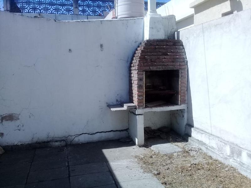 Foto Casa en Venta en  Lomas de Zamora Oeste,  Lomas De Zamora  Pereyra Lucena 992