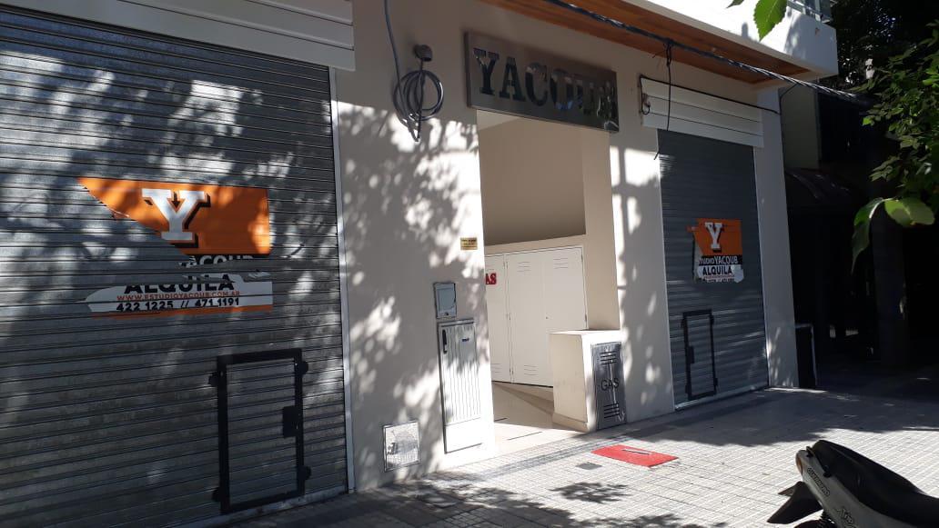 Foto Local en Alquiler en  La Plata,  La Plata  39 e 11 y 12