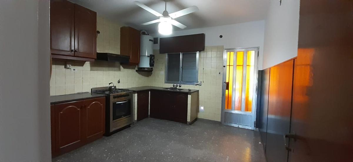 Foto Casa en Alquiler en  Oeste,  Rosario  VILA 6324- 3 dormitorios Planta Alta