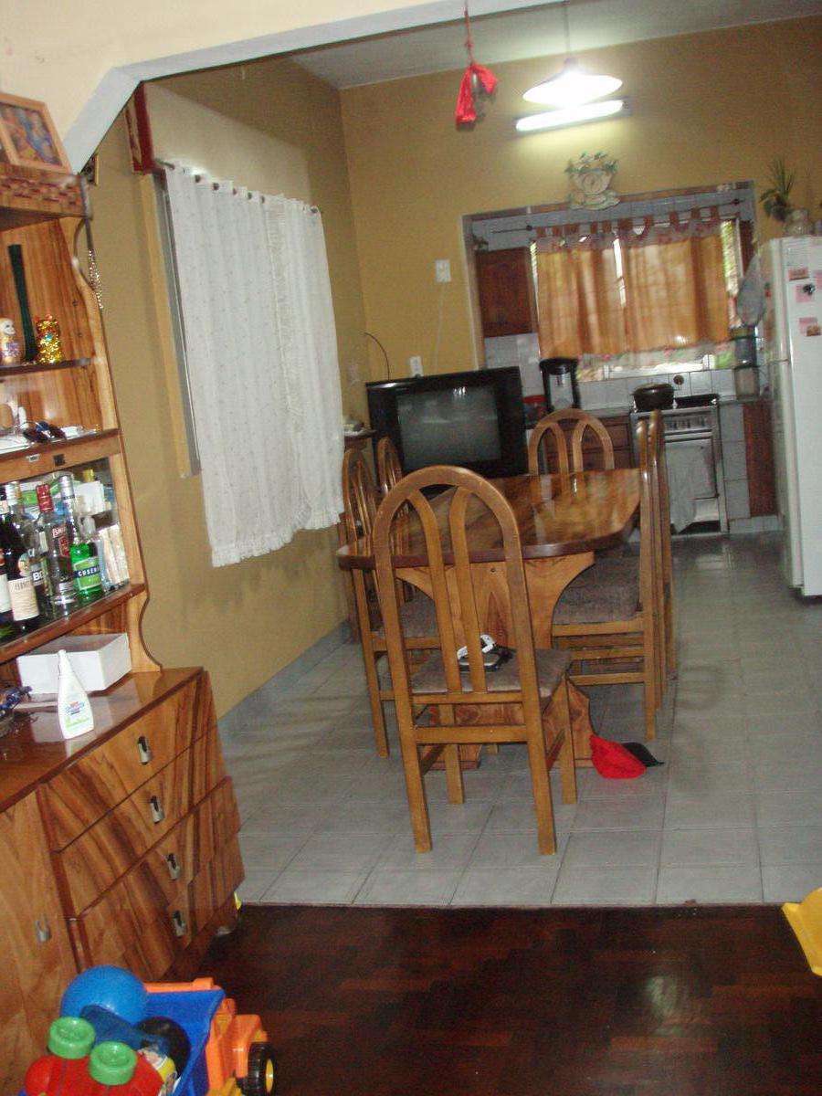 Foto Casa en Venta en  Ramos Mejia,  La Matanza  beron de astrada