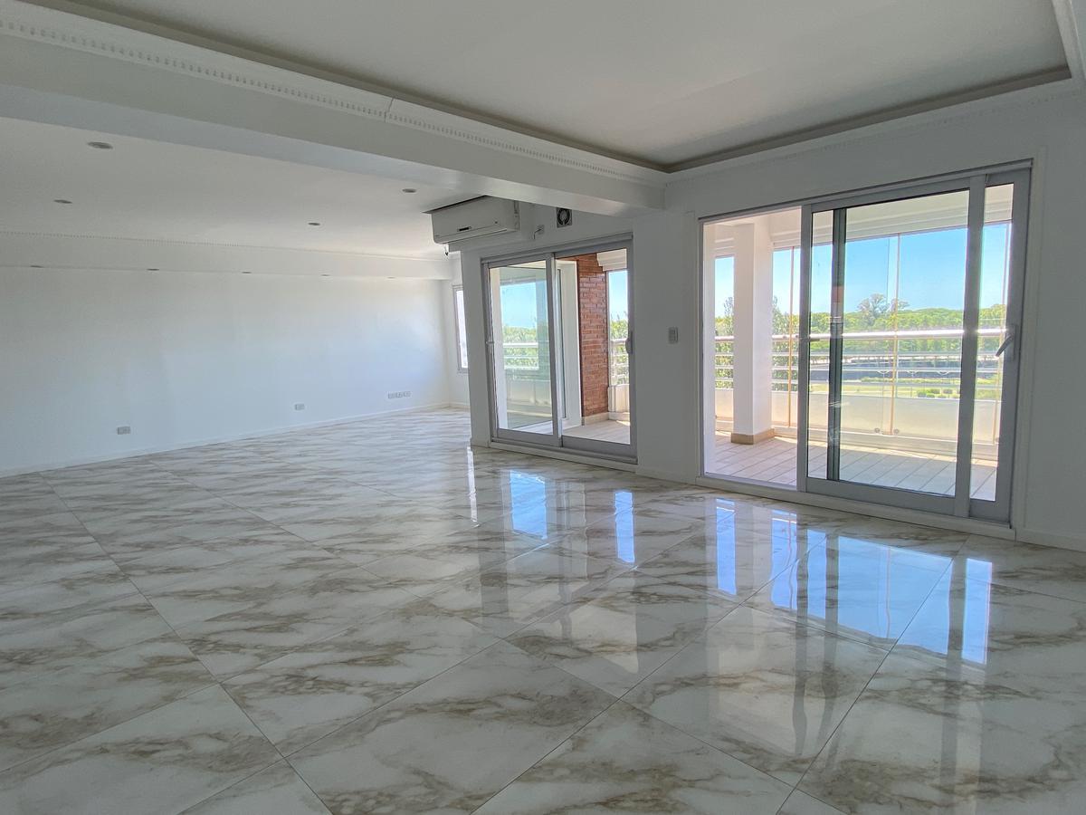 Foto Departamento en Venta en  Puerto Madero ,  Capital Federal  Terrazas Puerto Madero - Aime Paine  1635 6 - 7 Duplex