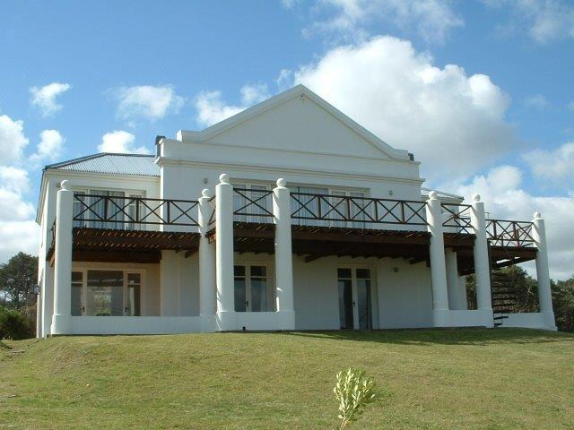 Foto Casa en Venta | Alquiler temporario | Alquiler en  Montoya,  La Barra  MONTOYA