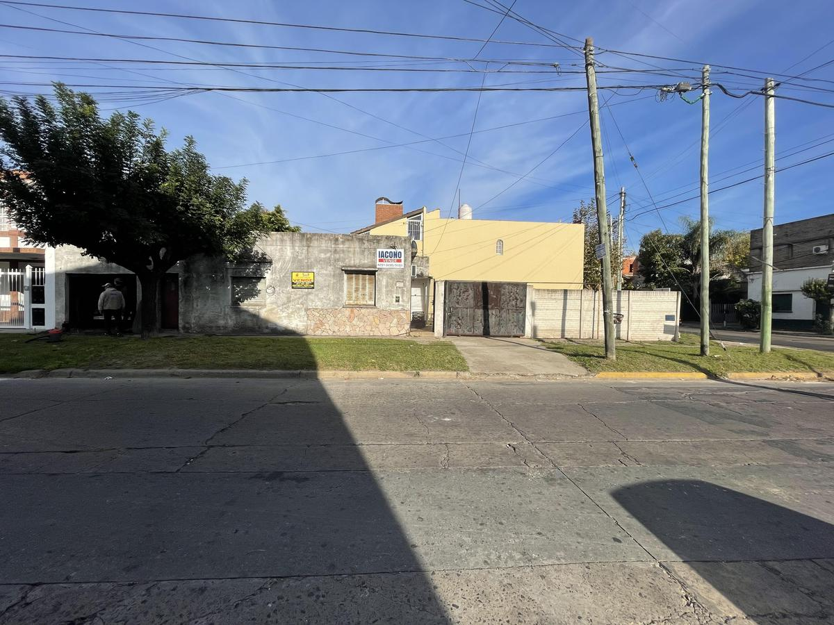 Foto Casa en Venta en  Quilmes,  Quilmes  Lavalle 1409 esquina Av. Dorrego