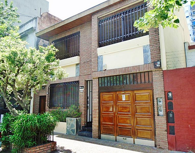 Foto Casa en Venta en  B.Santa Rita,  V.Parque  Cesar Diaz al 2700