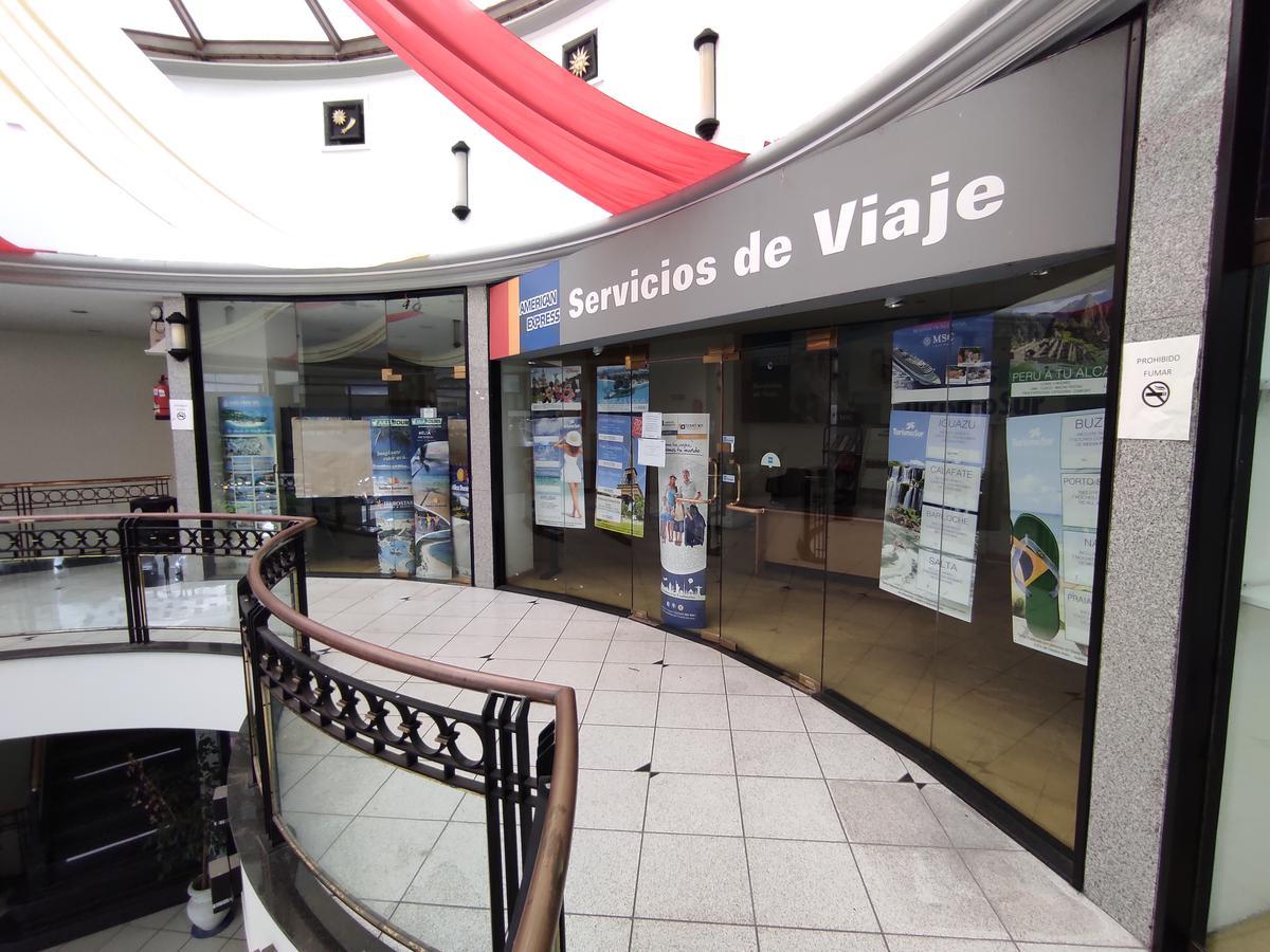 Foto Local en Alquiler en  Caballito ,  Capital Federal  Av. La Plata al 100