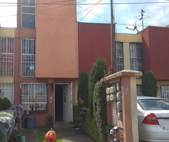 Foto Casa en Venta en  Toluca ,  Edo. de México  CASA VENTA LOS HEROES 2 TOLUCA