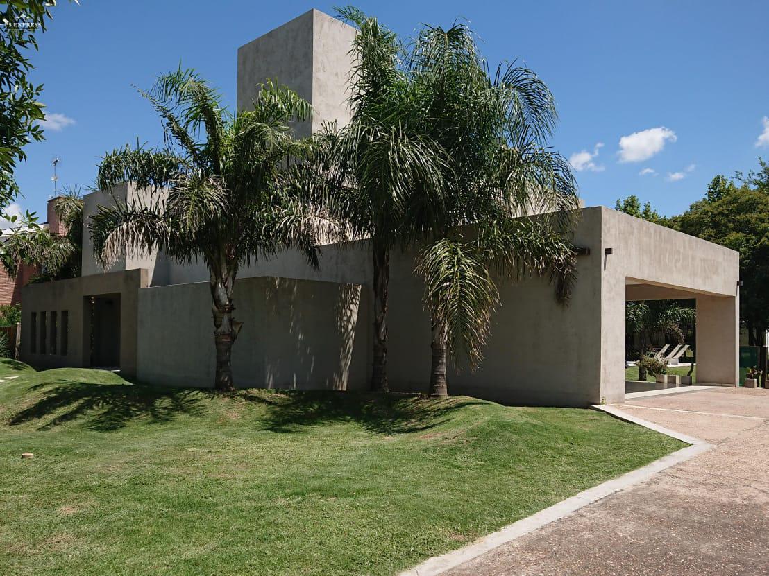Foto Casa en Venta en  Campiñas del Sur,  Cordoba Capital  Campiñas del Sur - 4 Dormitorios! Lote Central!