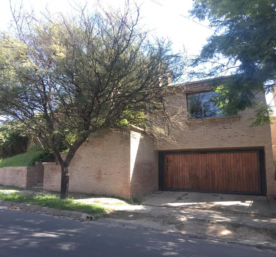 Foto Casa en Venta en  Parque Velez Sarsfield,  Cordoba Capital  Av. Central 2286