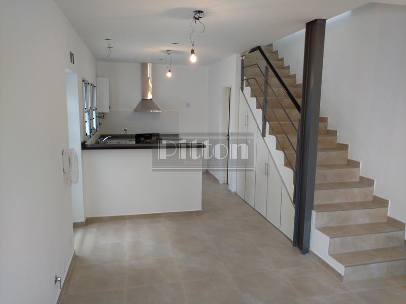Foto Casa en Venta | Alquiler |  en  Banfield Este,  Banfield      Campos 1514